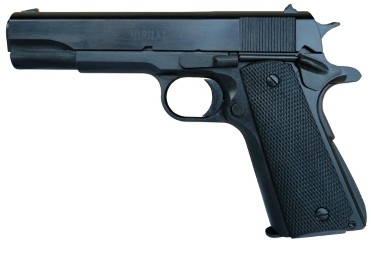 Jedna z najvydarenejších kópií legendárnej pištole Colt 1911 v kalibri .45ACP. Presná celochrómová hlaveň, veľké mieridlá, solídna konštrukcia, ktorá sa nikdy nezasekne, absolútne nenáročná na strelivo. Pozor, na trhu sa môžu nachádzať aj staré 3 ročné modely, ktoré s týmito novými majú málo spoločné!