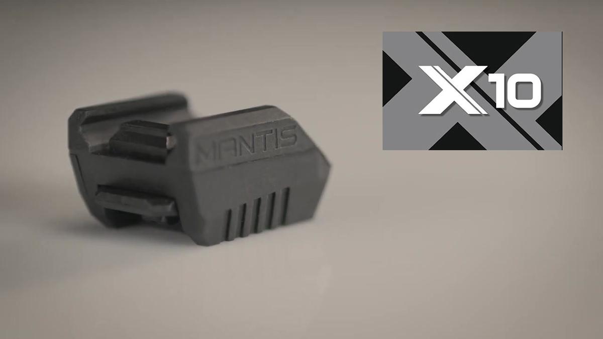 Mantis X10 PRO dokáže všetko to, čo X3 a naviac sleduje rýchlosť tasenia a viac dát po výstrele, ako zdvih hlavne, návrat na cieľ. Mantis X10 pracuje okrem guľovnice a pištole aj s brokovnicami pri trape a skeete a pripravuje sa spolupráca s lukom, streľba na viacero terčov, streľba za pohybu a streľba na pohyblivé terče. Všetky updaty sú zadarmo. Súčasťou balenia je aj montáž na kozlicu.