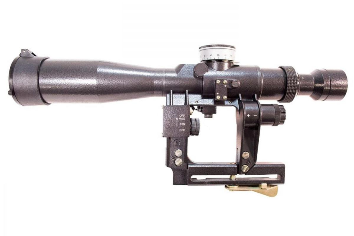 """Známa optika vyznačujúca sa mimoriadnou odolnosťou a fantastickou kvalitou skla. Dodáva sa s podsvietenou """"SVD"""" osnovou, ktorá umožňuje aj určovanie vzdialenosti od objektu. Hermeticky uzavreté, plnené dusíkom. Dodáva sa v prenosnej taške spolu s kvalitnou montážou. V ponuke je AK montáž, alebo picatinny montáž. Používa dve LR44  baterky, dostať v každom obchode."""